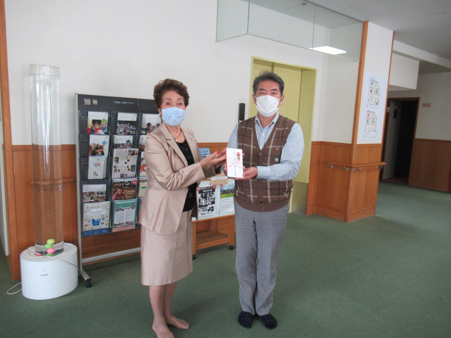 国際ソロプチミスト横須賀様よりご寄付頂きました。